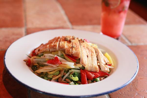 Ensalada de Fruta (Salmon or Chicken)