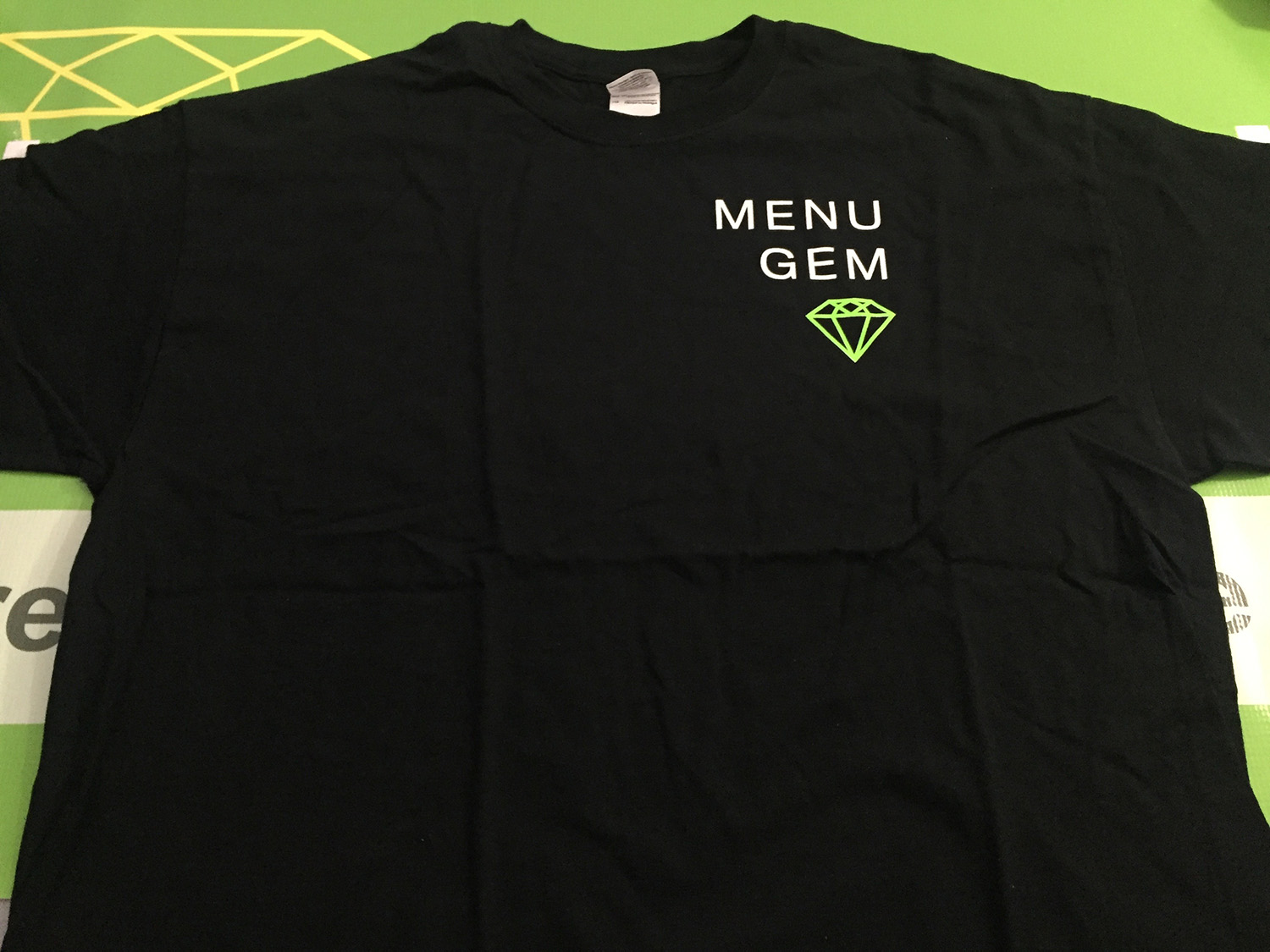 MenuGem Mens T-shirt Black with Green Diamond XLarge