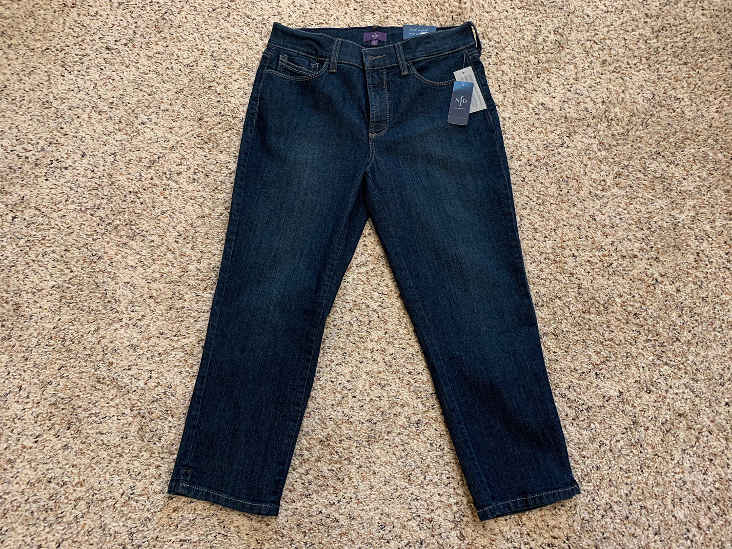 Not Your Daughters Jeans Blue Lift Tuck Capris New with Tags Sz 6