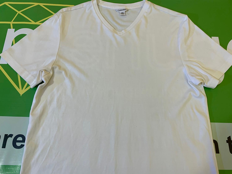 Calvin Klein Mens Shallow V-Neck White T-shirt Size S